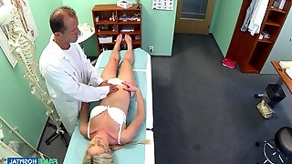 Blonde slut spreads her legs to get penetrated by a doctor