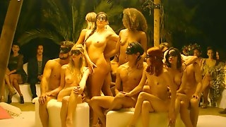 Yvonne Strahovski and other hot actresses in nude scene compilation