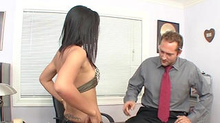 Closeup video of lean Asian chick Miss Oi having sex in slay rub elbows with office